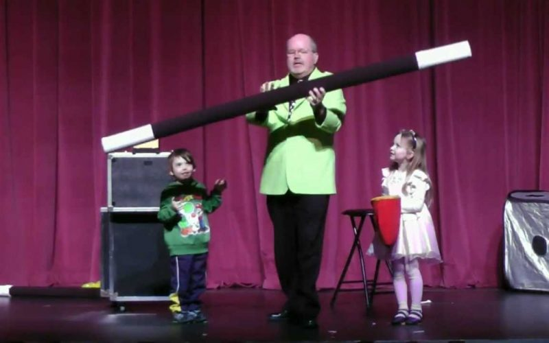 Funny Magic Trick from AbraKIDabra! Magician & Children's Entertainer Peter Mennie